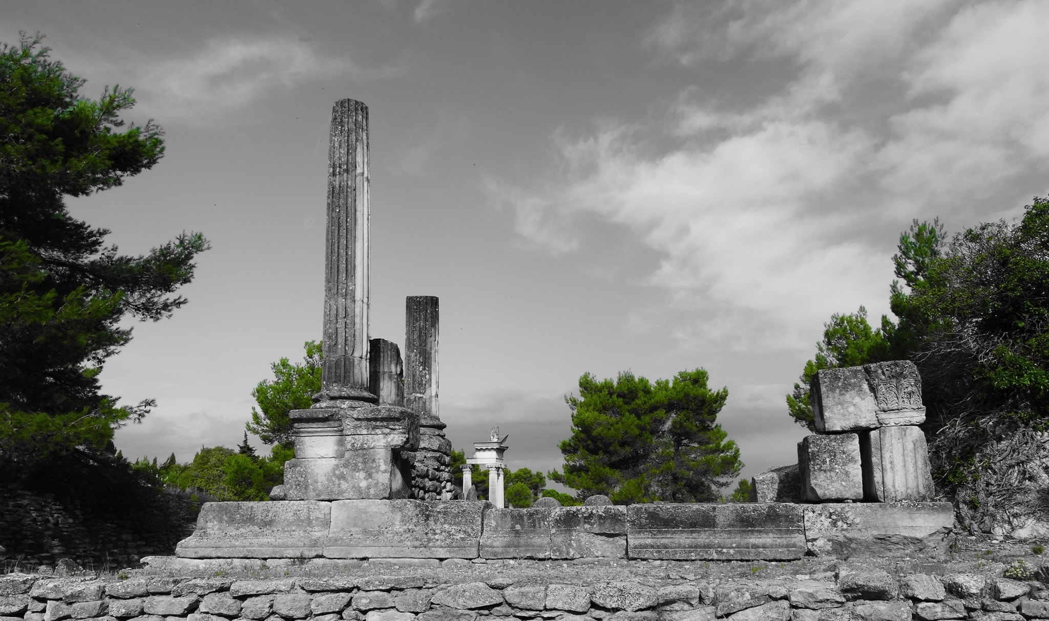 Montmajour & Silvacane Abbey, Glanum and Salagon: leg 4 of our South France road trip itinerary