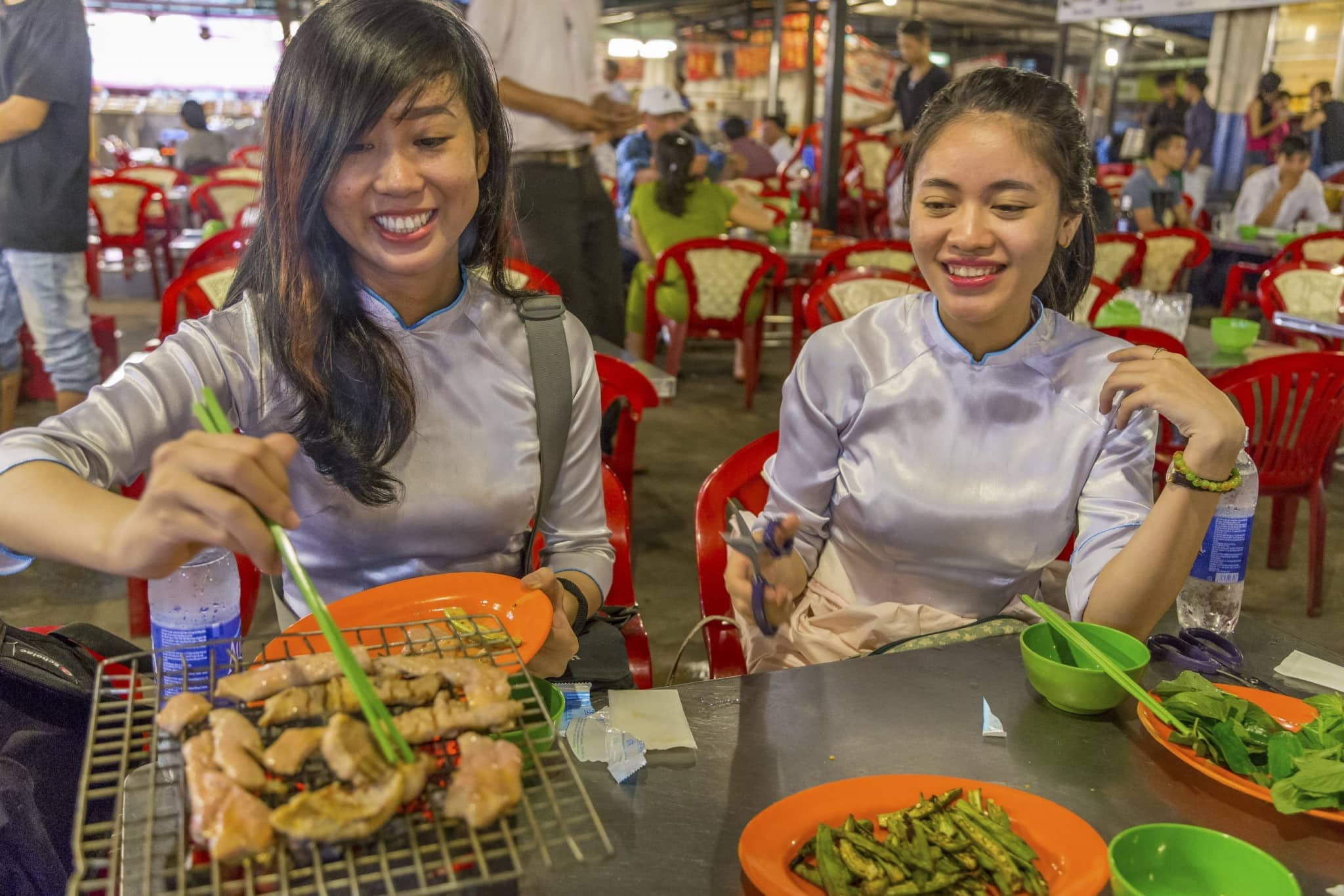 VIETNAM - Ho Chi Min City food tour on a motorbike; delicious street food – Chris Travel Blog
