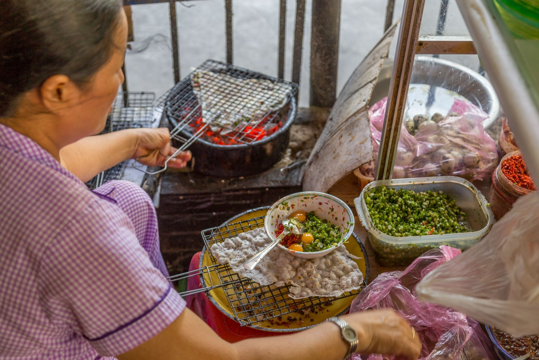 VIETNAM - Eat like a local! Do a Hoi An food tour in the evening! – Chris Travel Blog