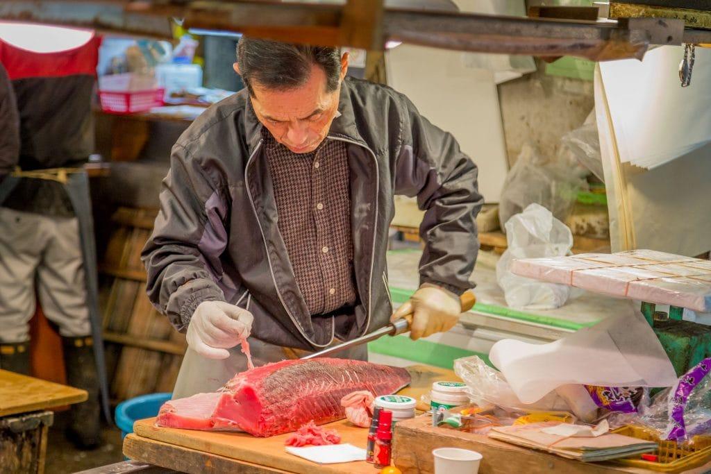 JAPAN - Experience Tokyo: Tsukiji fish market & a sushi workshop