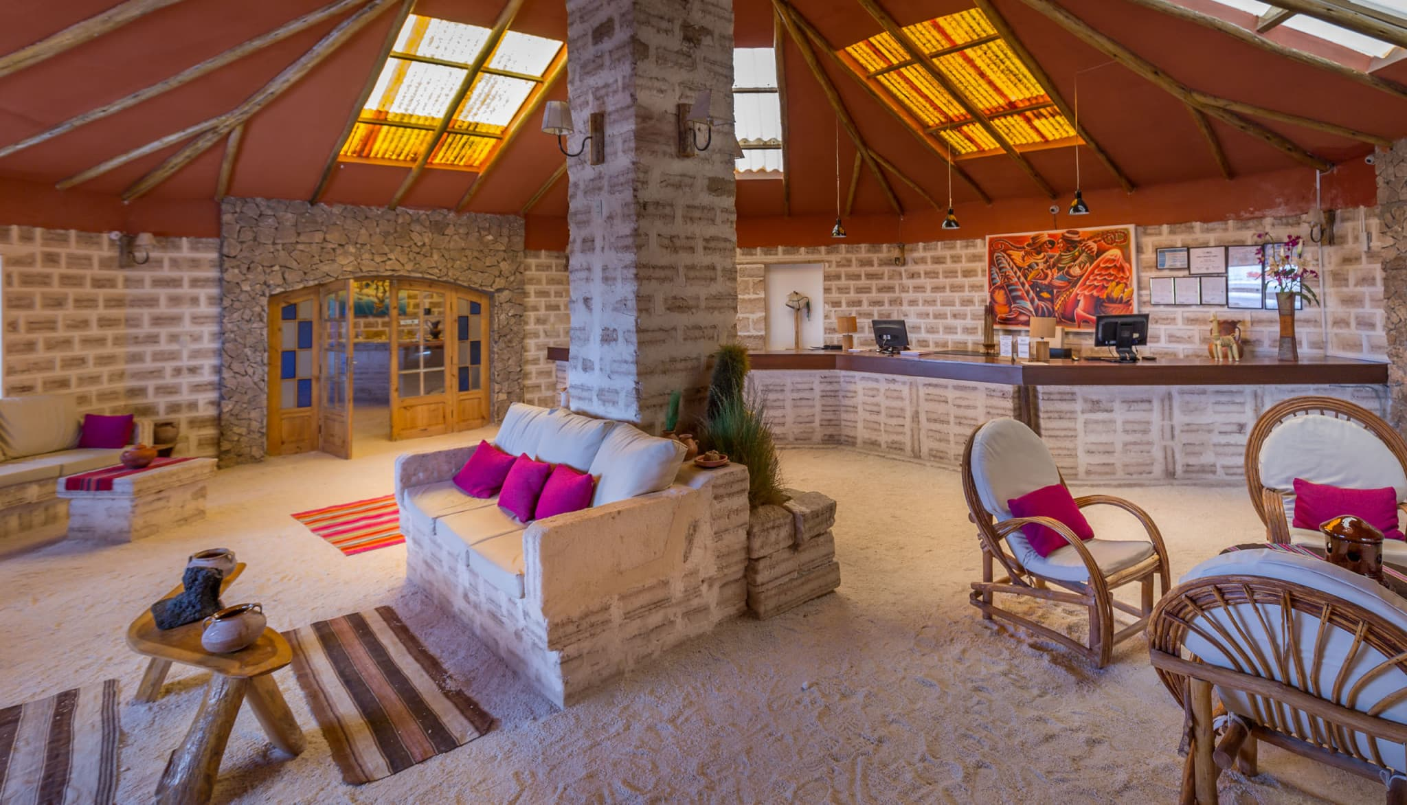 Bolivia luna salada salt hotel offers luxury at the for Salar de uyuni hotel made of salt