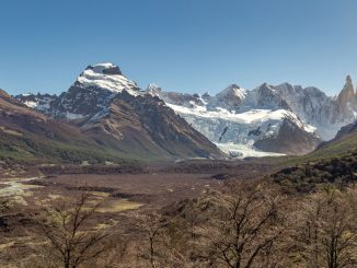 ARGENTINA - Hiking in Patagonia: Laguna Torre trail in a day and Lago del Desierto