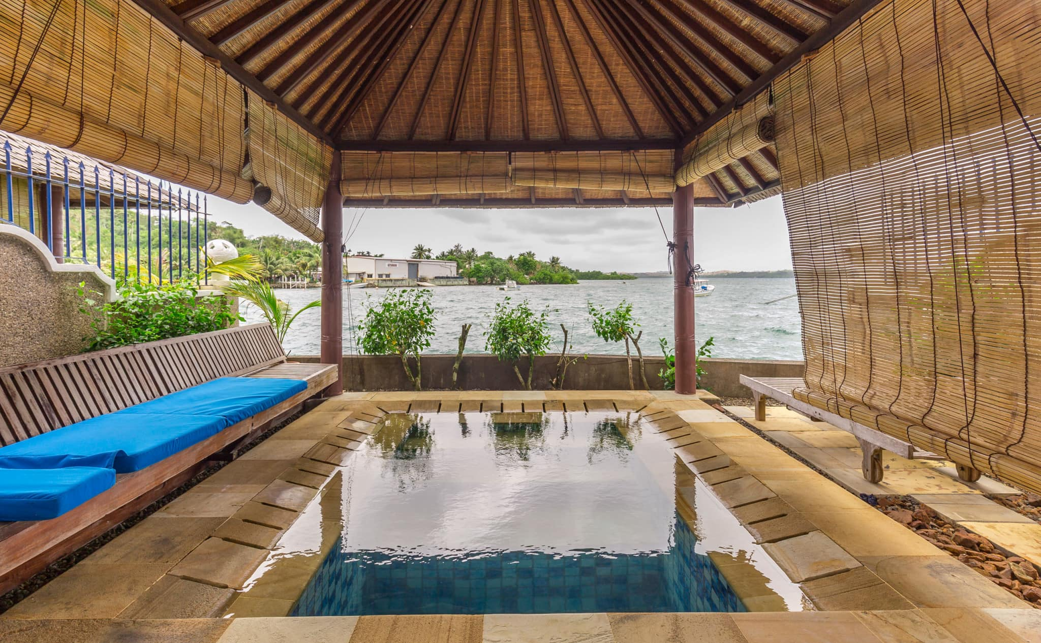 MICRONESIA FSM - Manta Ray Bay Resort Yap offers luxury on remote Yap Island