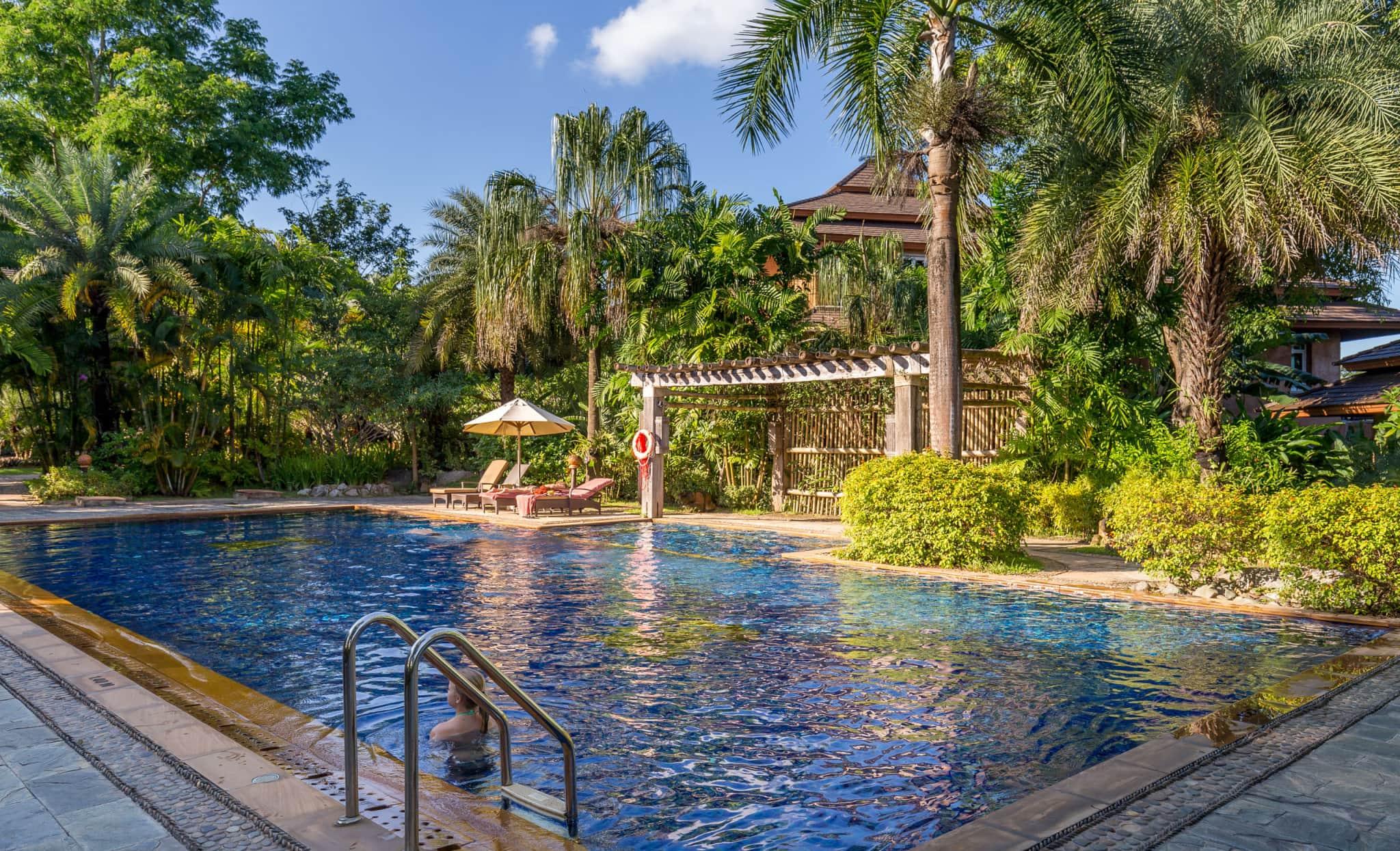 Tropical pool thailand katiliya mountain resort spa for Tropical pools