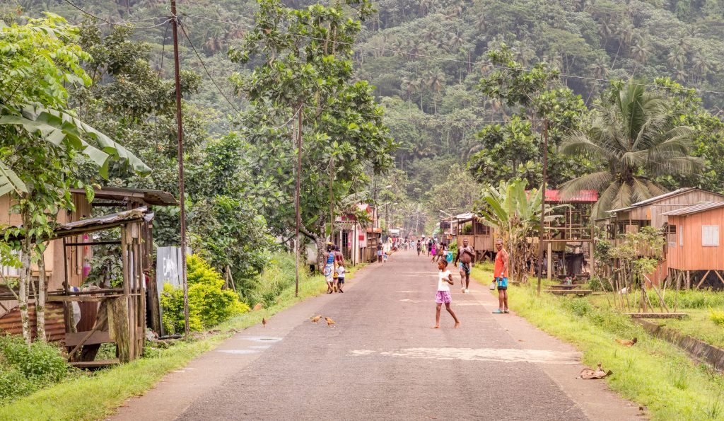 Street locals town - SÃO TOMÉ & PRÍNCIPE - A São Tomé itinerary to all the well kept secrets of the island