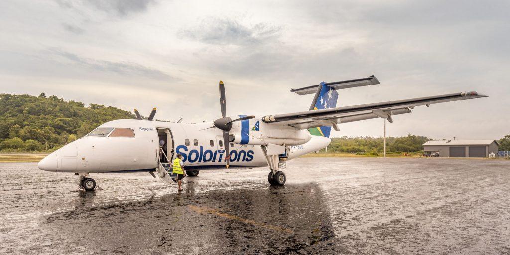 Solomon Air Dash9 Munda Airport