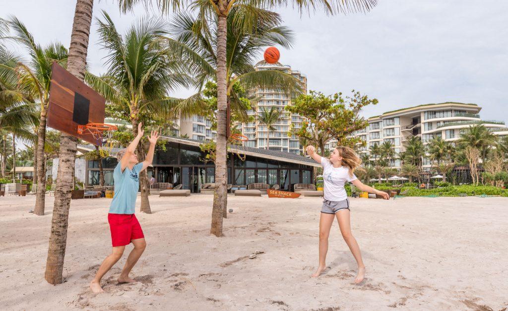 Beach activities - VIETNAM - Luxury stay: Intercontinental Phu Quoc Long Beach Resort review