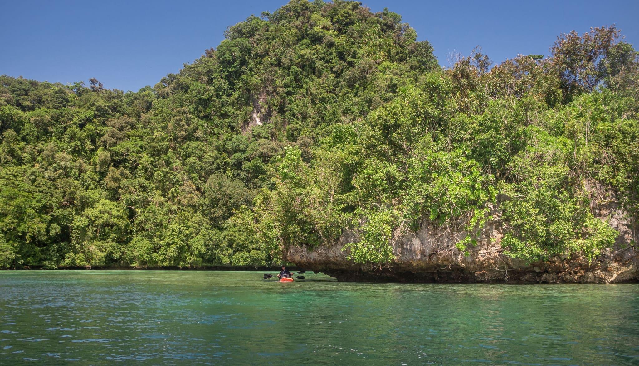 PALAU - Exploring Palau's Rock Islands by kayak & snorkeling in a hidden lake