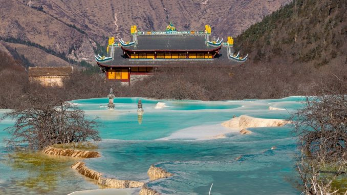 CHINA-Huanglong-is-a-must-see-in-Sichuan-a-surreal-fairy-tale-landscape