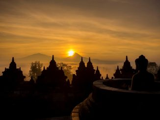 INDONESIA-Sunrise-at-the-Borobudur-temple-and-a-tour-in-the-area