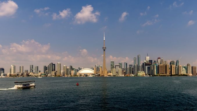 CANADA-A-day-trip-to-Toronto-Island-and-the-CN-Tower
