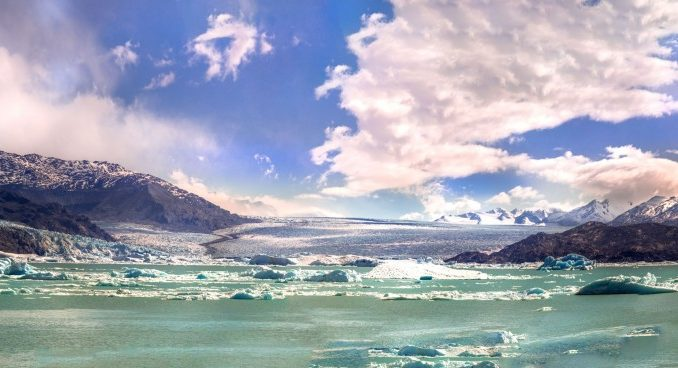 ARGENTINA-Sailing-Patagonian-glacier-lakes-while-enjoying-a-luxury-five-star-lunch