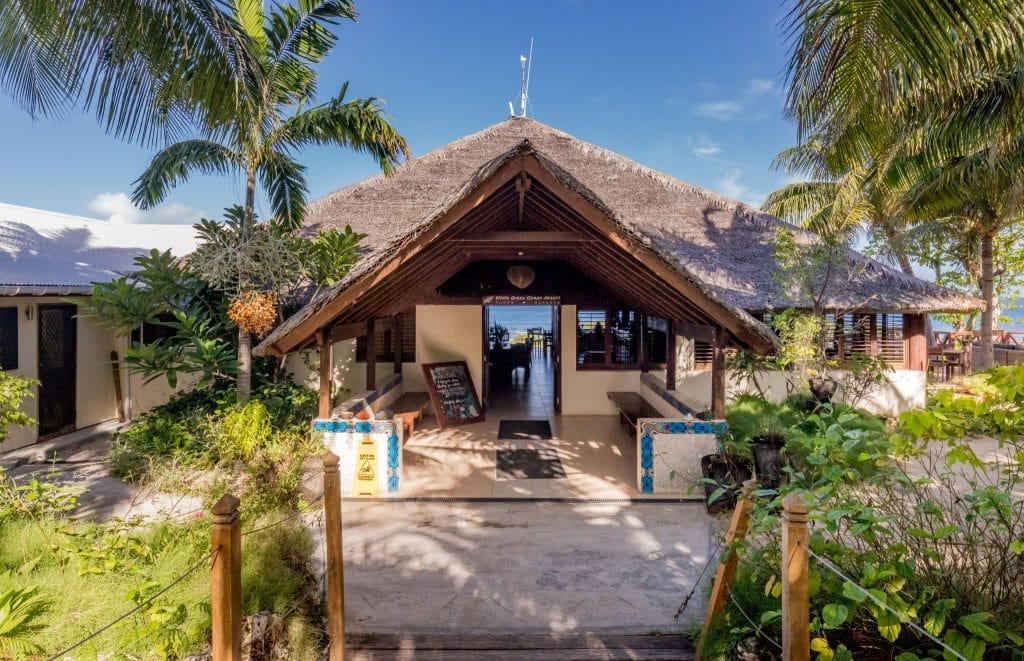 VANUATU - Best luxury hotel in Tanna: White Grass Ocean Resort & Spa