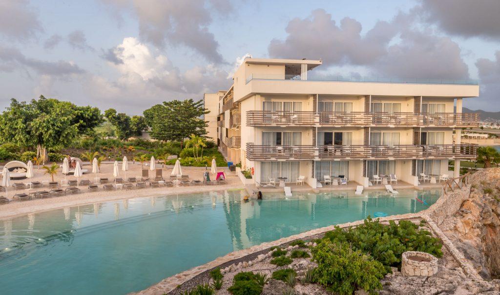 Pool with beach - ST. MAARTEN - Sonesta Ocean Point Resort review: Best all-inclusive on St. Maarten