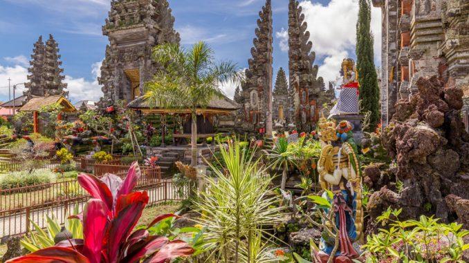INDONESIA - A wonderful 2-3 week Indonesia itinerary: Jakarta to Bali across Java